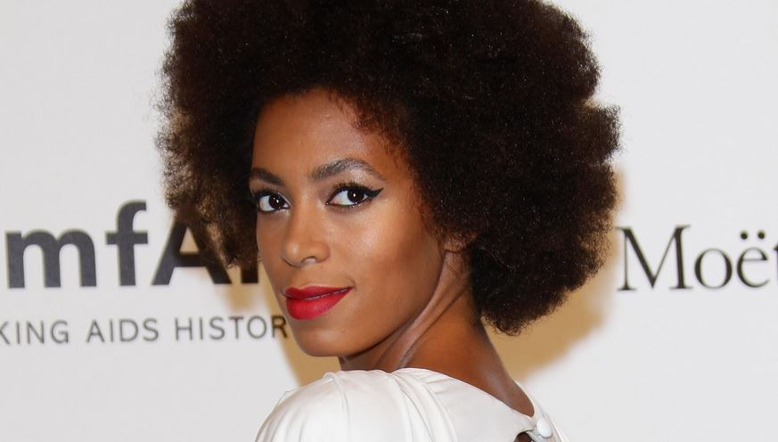 Female Celebrities With Most Beautiful Natural Hairs