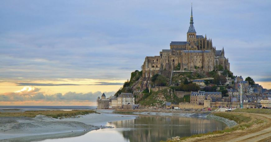 Best Tourist Places Of France 2019